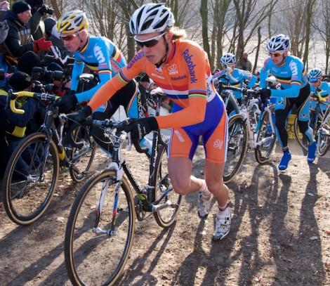De Belgen zouden de hele wedstrijd als een collectief blijven rijden. (Foto © Laurens Alblas)
