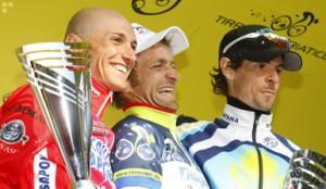 Garzelli, eindwinnaar Scarponi en Klöden op het podium