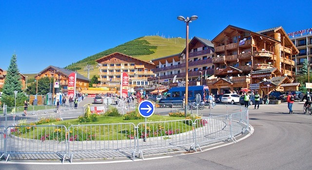 Beklimming Alpe d'Huez in vier minuten (video)