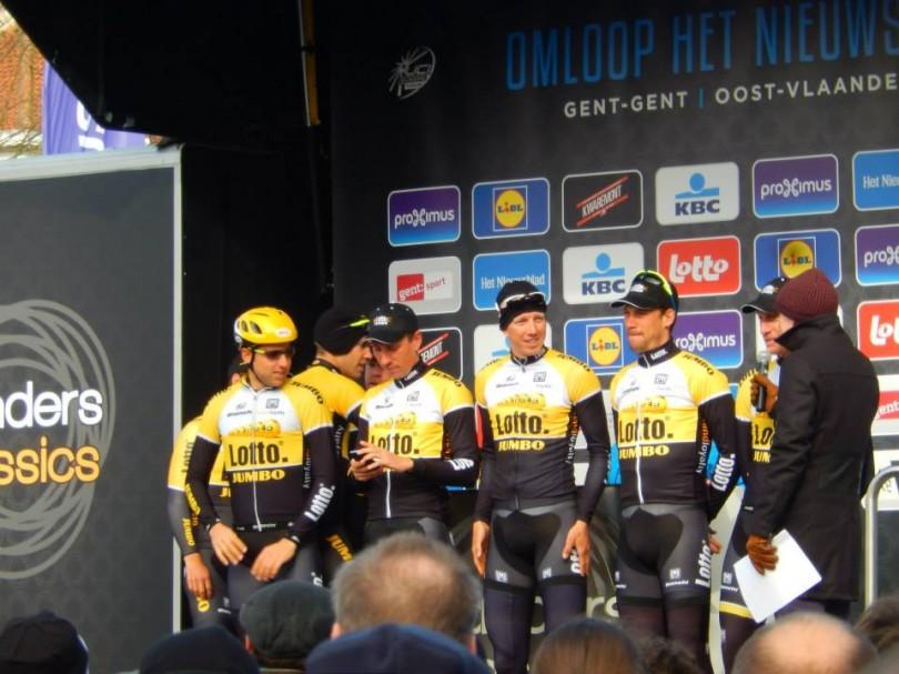 Team LottoNL-Jumbo in Omloop Het Nieuwsblad 2015 (© Jean Savelberg / cyclingstory.nl)