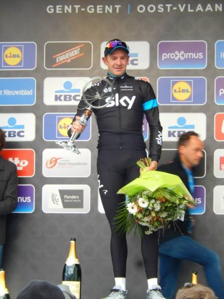 Ian Stannard, winnaar van Omloop Het Nieuwsblad 2015 (© Jean Savelberg / cyclingstory.nl)