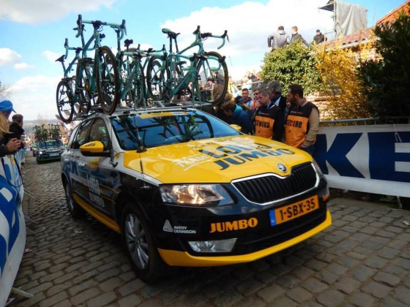 De ploegauto van Team LottoNL-Jumbo. © Wielervrung Klumme Ranzel.