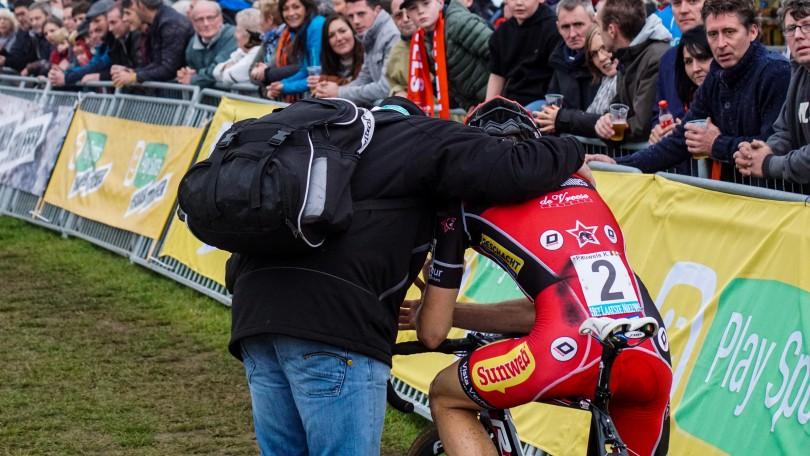 Na de finish is de teleurstelling bij Kevin Pauwels groot. © Vincent Kwanten