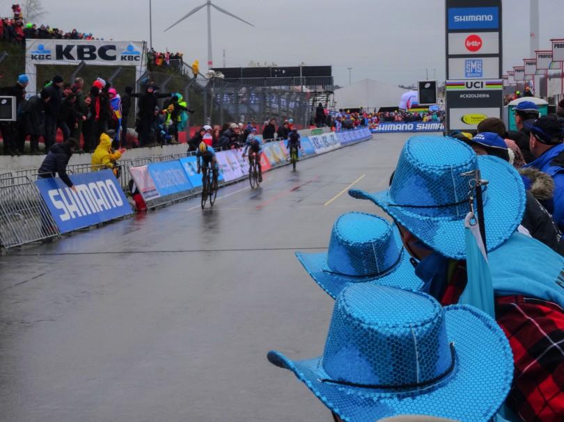 Voor veel cyclocrossfans is een veldrit synoniem voor carnaval. ⒸVincent Kwanten