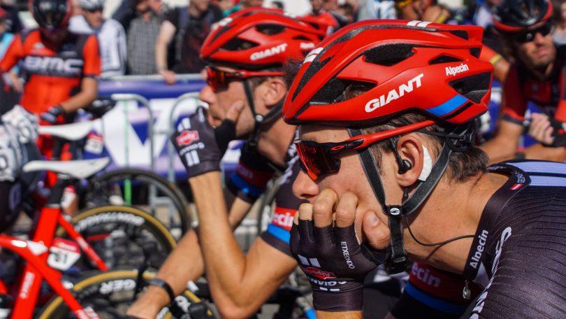 Georg Preidler (vooraan) en Roy Curvers wachten op het startschot. Voor Giant-Alpecin valt de Eneco Tour wat tegen © Vincent Kwanten