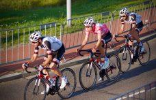 Tom Dumoulin met Roy Curvers en Laurens ten Dam in de Profronde van Tiel 2017. © Tim van Hengel/Cycling Story